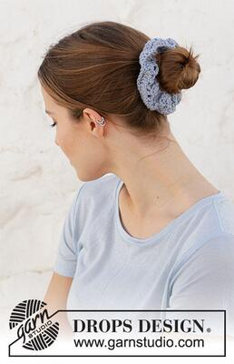 Seaside Scrunchie by DROPS Design