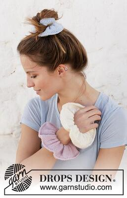 209-14 Softy Scrunchie by DROPS Design