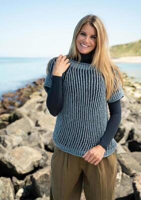 1818 Blouse in two-colored fisherman's rib in Mayflower Cotton Merino Classic.
