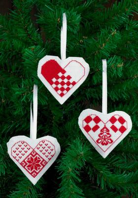 Embroidery Kit Christmas Hearts White, 3 pcs